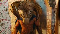 """Ein Minotaurus im Papp-Labyrinth: Deutscher Trailer zur surrealen Komödie """"Dave Made A Maze"""""""