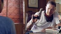 "Trailer zu ""Line Of Descent"": ""Die Mumie""-Star Brendan Fraser als knallharter Waffenhändler"