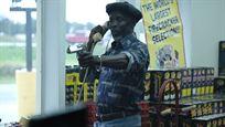 """Schräger, aber harter Gangster-Thriller auf den Spuren von Guy Ritchie? Trailer zu """"Arkansas"""" mit Liam Hemsworth"""