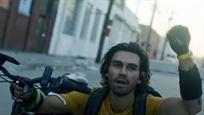 """Pandemie-Thriller von Michael Bay: Im Trailer zu """"Songbird"""" wütet ein tödliches Virus"""