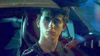 """""""Dune""""-Star Timothée Chalamet wandelt auf den Spuren von """"Call Me By Your Name"""": Deutscher Trailer zu """"Hot Summer Nights"""""""