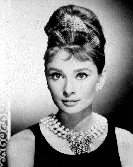 fr hst ck bei tiffany bild audrey hepburn fr hst ck bei tiffany bild 37 von 47. Black Bedroom Furniture Sets. Home Design Ideas