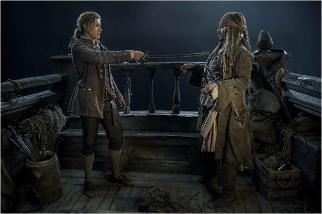 Pirates Of The Caribbean 5: Salazars Rache : Bild Brenton Thwaites, Johnny Depp