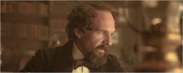 """Erster deutscher Trailer zu Ralph Fiennes' romantischem Biopic """"The Invisible Woman"""" über den Autor Charles Dickens"""
