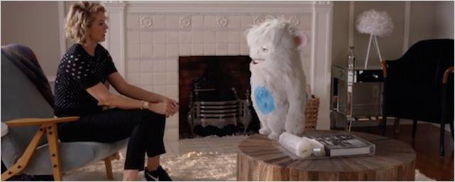 """Wie """"Ted"""" in nett: Erster Trailer zur neuen Serie """"Imaginary Mary"""" mit """"Dharma & Greg""""-Star Jenna Elfman"""