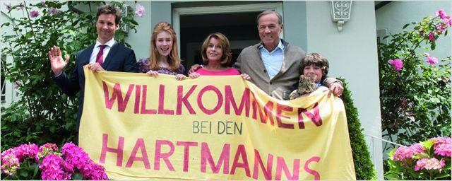 """""""Willkommen bei den Hartmanns"""": Neuer langer Trailer zur Familienkomödie mit Elyas M'Barek und Palina Rojinski"""