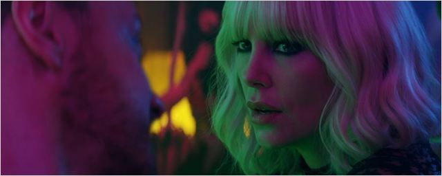 """""""Atomic Blonde"""": Im neuen Trailer zur Agenten-Action kämpft sich Charlize Theron stilsicher durch Berlin"""