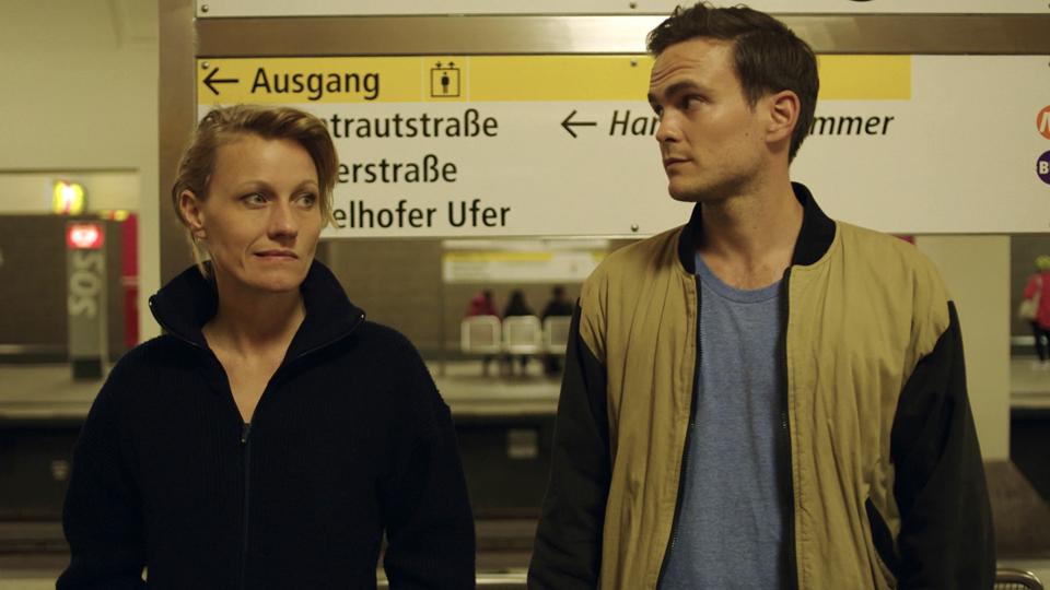 Liebesfilm Trailer DF - FILMSTARTS.de