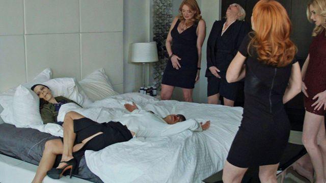 """""""The Onania Club"""": Langer Trailer zum neuen Skandalfilm von """"The Human Centipede""""-Macher Tom Six"""