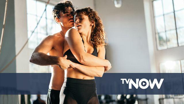 Extra eine Erotik-Expertin am Set: Bei den Sex-Szenen dieser Streaming-Serie probiert RTL etwas Neues