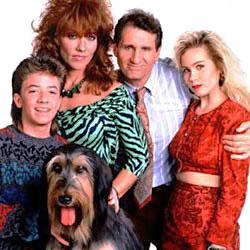 Eine schrecklich nette Familie : Kinoposter