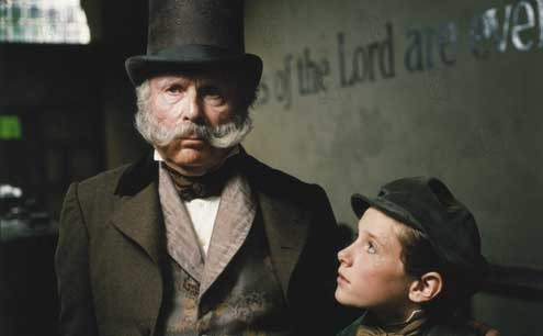 Oliver Twist : Bild Barney Clark, Edward Hardwicke