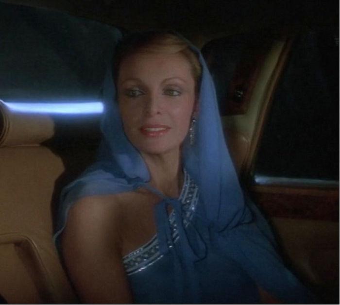 """Lisl von Schlaf (Cassandra Harris) in """"James Bond 007 - In tödlicher Mission"""""""
