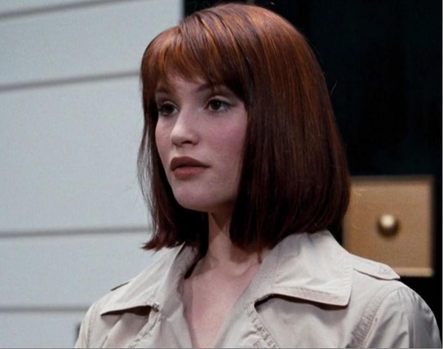 """Strawberry Fields (Gemma Arterton) in """"James Bond 007 - Ein Quantum Trost"""""""