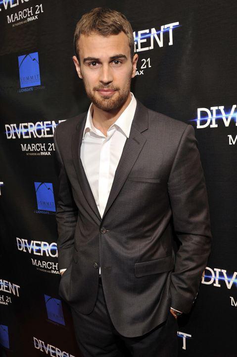 Die  Bestimmung - Divergent: Theo James