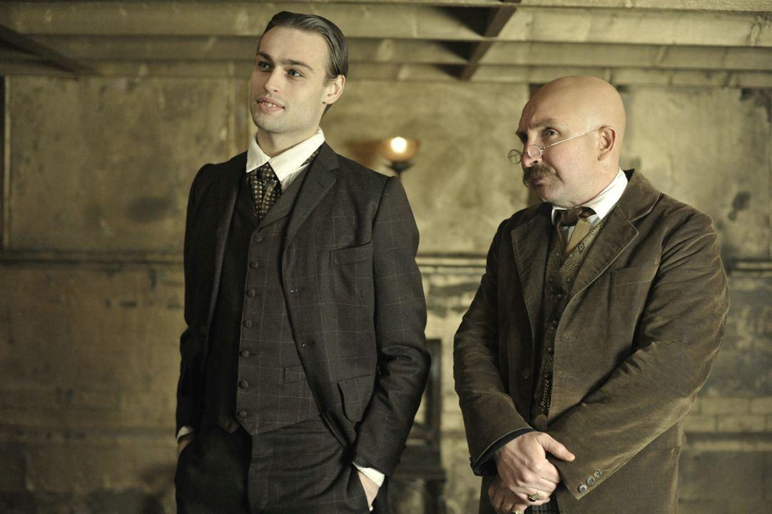 The Limehouse Golem: Eddie Marsan, Douglas Booth