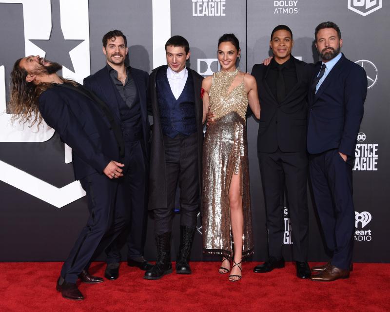 Justice League: Jason Momoa, Ben Affleck, Ezra Miller, Gal Gadot, Ray Fisher, Henry Cavill