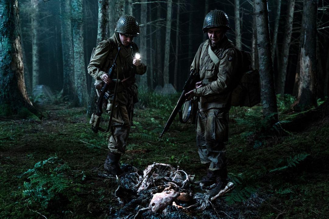 Operation: Overlord: John Magaro, Iain De Caestecker