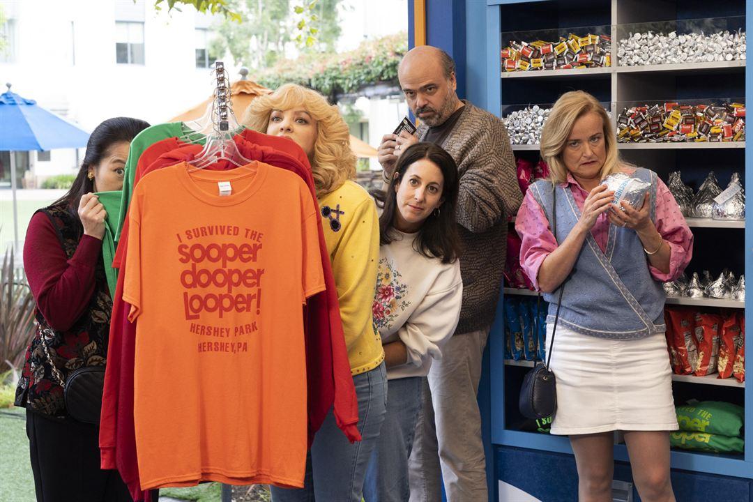 Bild Jennifer Irwin, Scott Adsit, Suzy Nakamura, Wendi McLendon-Covey