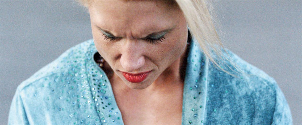 Pearl: Julia Föry