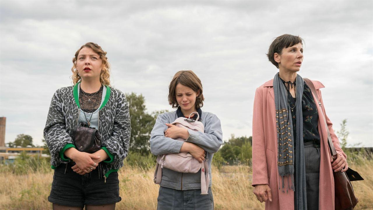 Ostwind 4 - Aris Ankunft : Bild Amber Bongard, Luna Paiano, Meret Becker