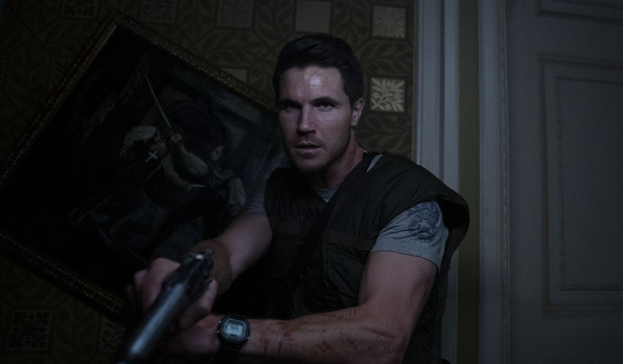 Resident Evil: Welcome To Raccoon City: Robbie Amell